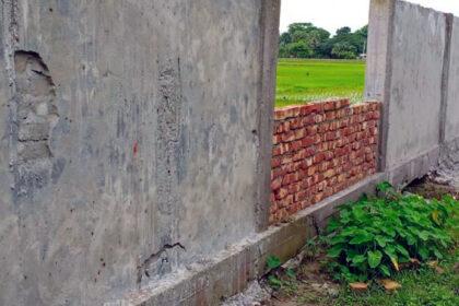 কুয়াকাটায় স্বাস্থ্য কেন্দ্র নির্মাণ কাজে ব্যাপক অনিয়ম