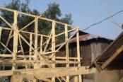মহিপুর মৎস্য বন্দরে ভাসানী দোকান জায়গা দখল করে কাঁচাপাকা ঘর নির্মাণের মহোৎসব