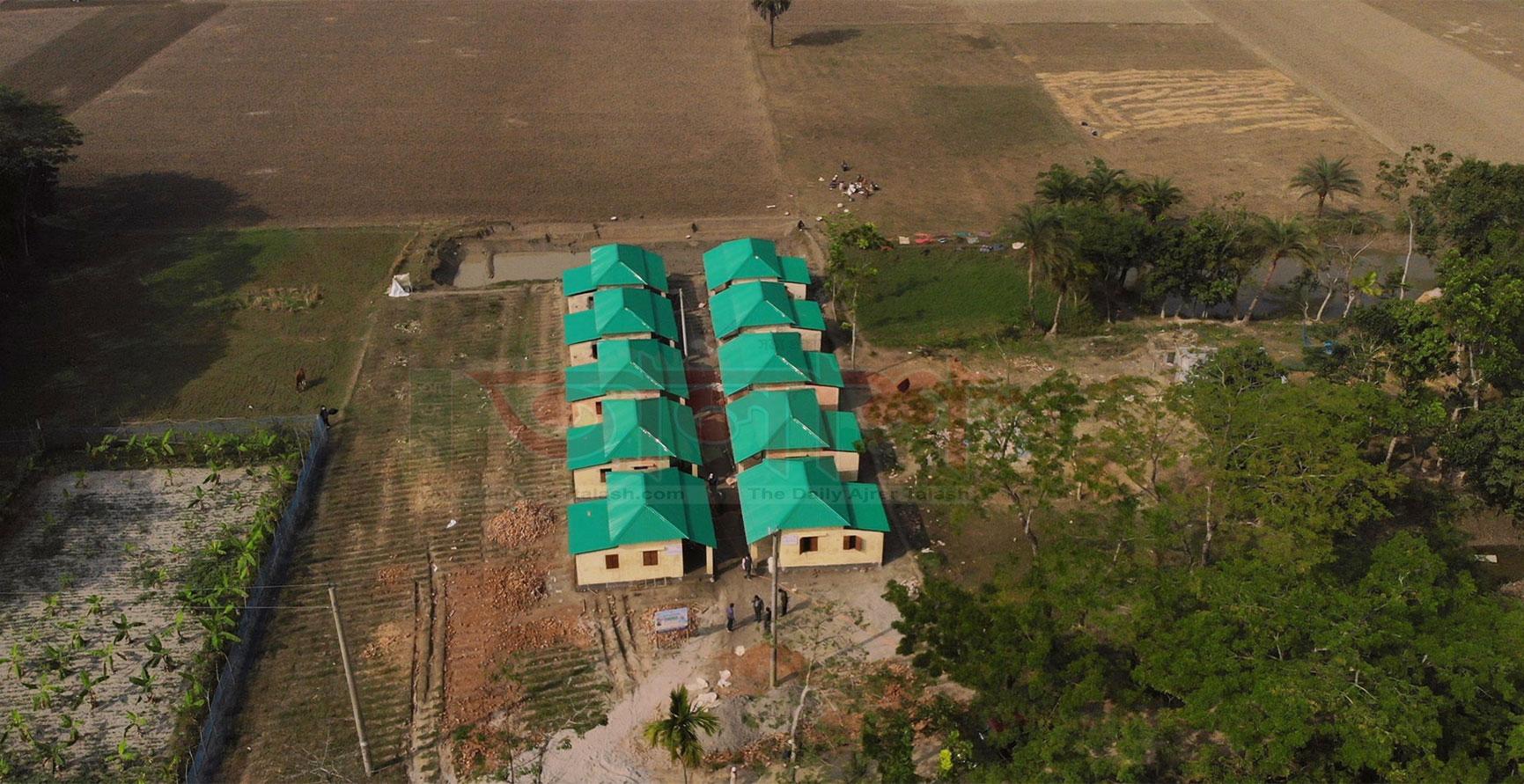 প্রধানমন্ত্রীর উপহার পাচ্ছে হিজলা উপজেলার ৫১টি পরিবার
