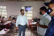 বাবুগঞ্জে বর্ণমালা কিন্ডারগার্টেন সিলগালা ও জরিমানা আদায়